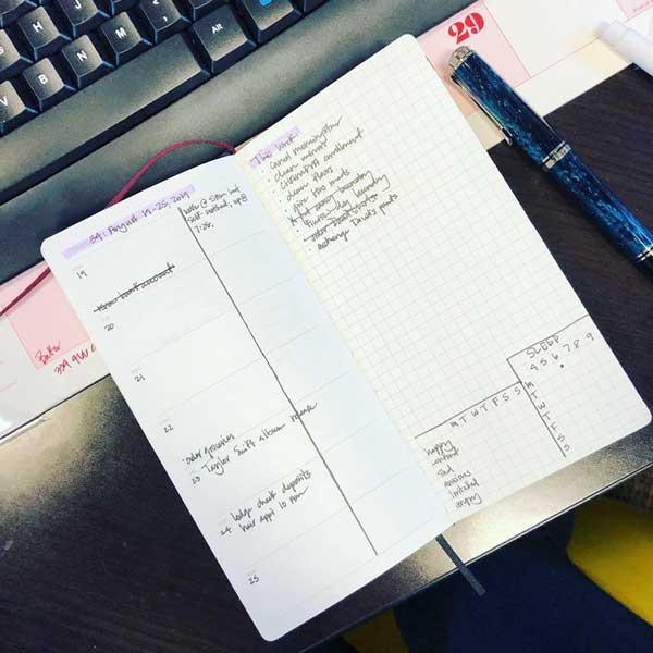 Weekly planner minimal